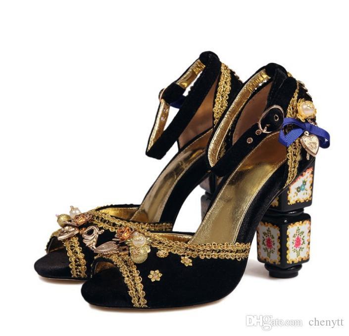 الرجعية هوت كوتور اليدوية أحذية كبيرة الحجم المرأة الفن الأوروبي والأمريكي عالية الكعب الصنادل فم السمكة مطرز أحذية نسائية باردة