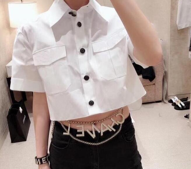여성 럭셔리 편지 블라우스 패션 브랜드 소녀 파티 스트리트 탑 다운 칼라 짧은 소매 높은 낮은 자르기 셔츠 플러스 사이즈 드레스를 돌려