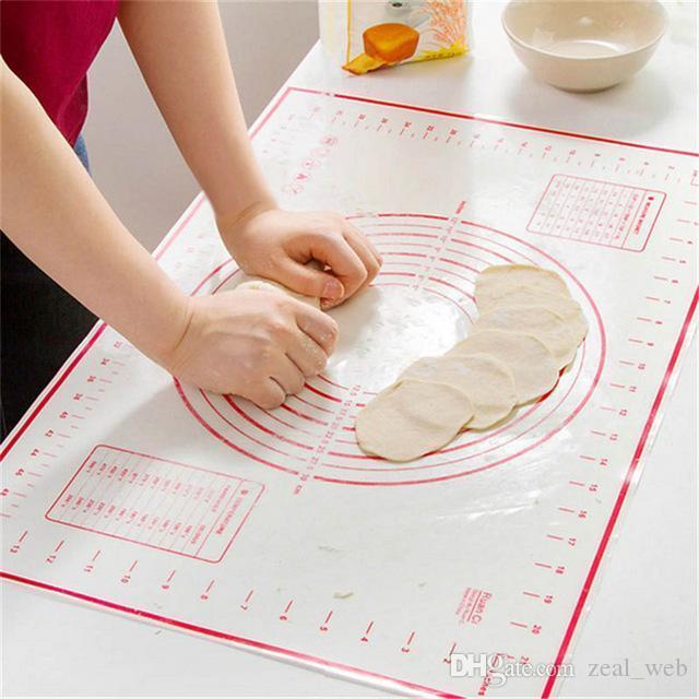 Não Stick Silicone Baking Mat AMASSO Mat rolamento pastelaria Mat vermelho preto com balanças de cozinha Cozinhar Ferramenta