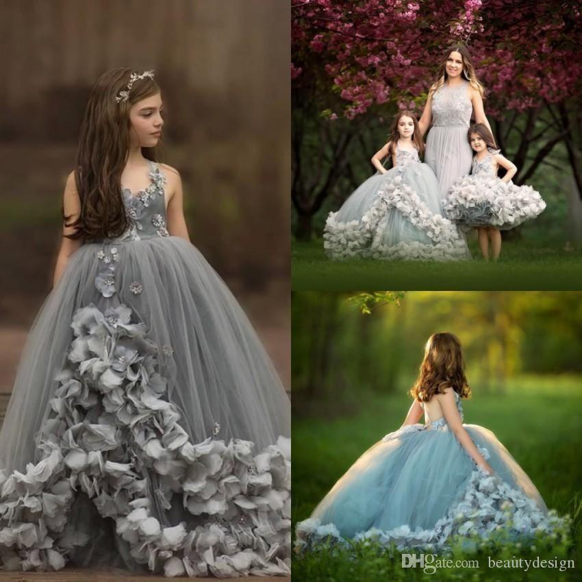Rüschen Ballkleid Blumen-Mädchen-Kleid-formalen Arabisch Dubai-Art handgemachter Blumen Prinzessin Backless Blumen-Mädchen-Partei-Abschlussball-Kleider