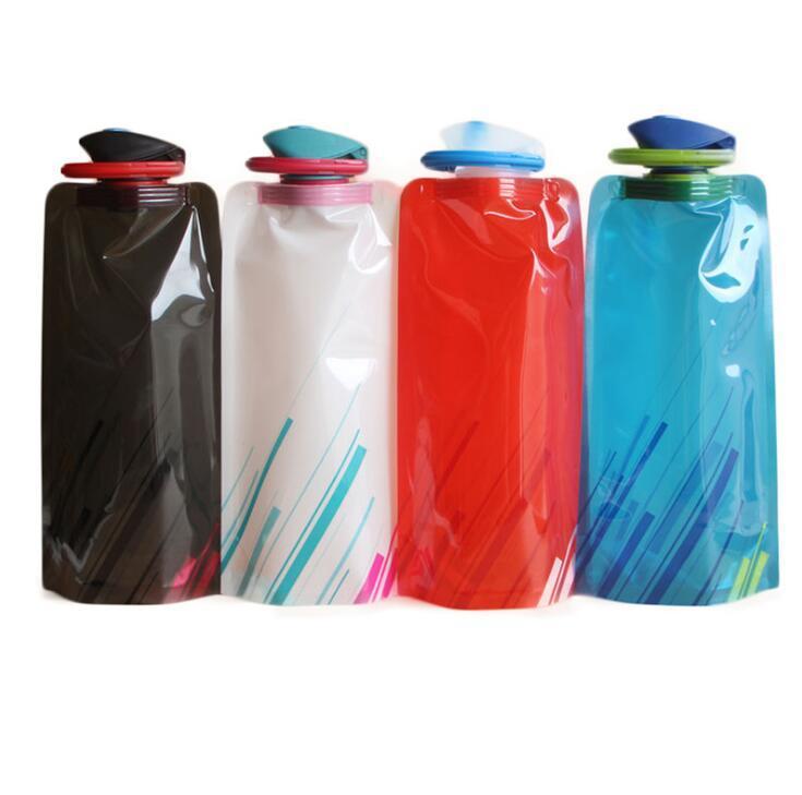 Garrafa BPA Grátis Folding água Com Pothook dobrável portátil garrafa de água desporto dobráveis Outdoor Sports Drinks garrafa reutilizável Copa 700ml