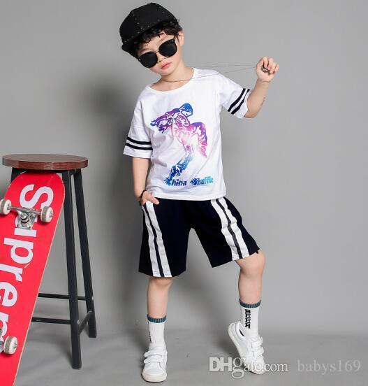 Marka Çocuklar Setleri Çocuk T-Shirt Ve Şort Pantolon Çocuk Eşofman Çocuk Spor Takım Elbise 2 Adet / takım Kısa Kollu Setleri yaz REOC
