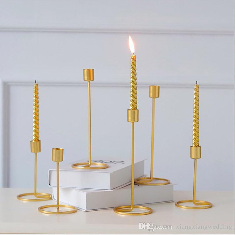 De oro de metal sola cabeza titular de la vela para la decoración de la boda cena de candelabros para el hogar soporte de hierro pilar portátil candelero