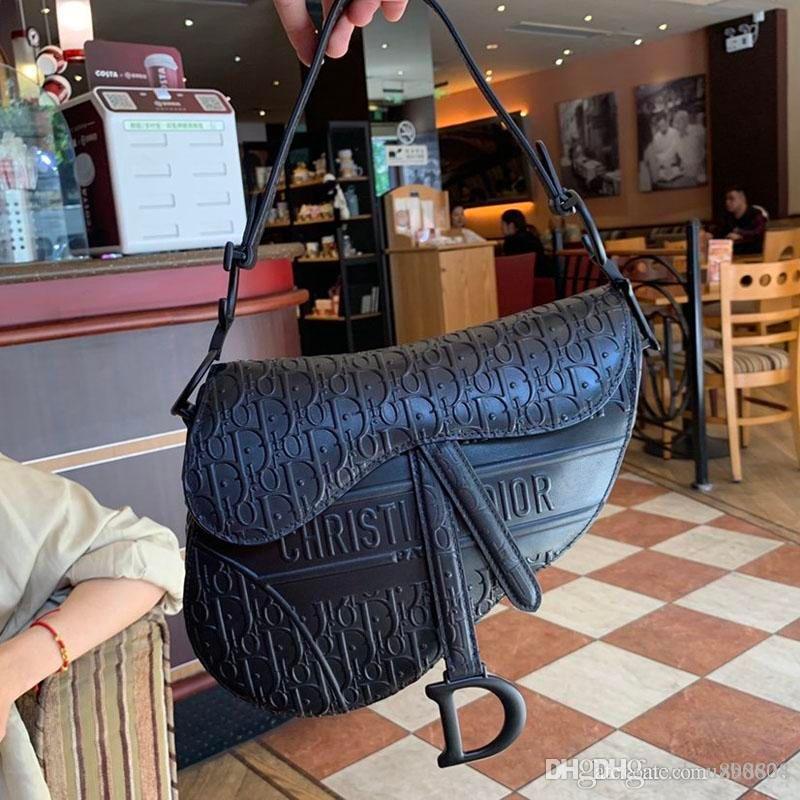 Nova Moda Luxo Mulheres Bolsas de Ombro confortável pequeno Prático e de mulheres elegantes sacos de ombro Tamanho 25,5 x 20 x 6,5 centímetros