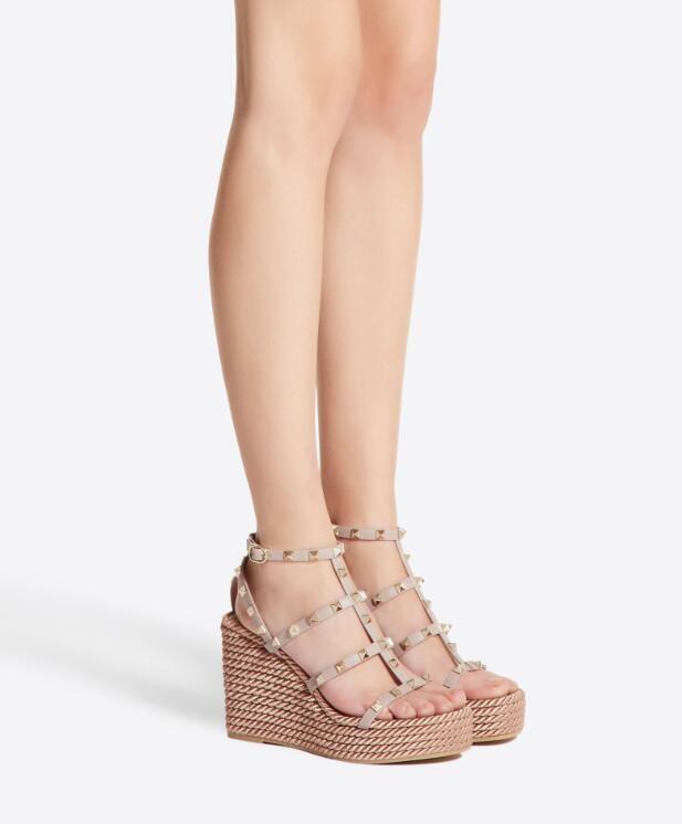 Ünlü Bayanlar Kaya Studs Gladyatör Sandalet Gerçek Deri Bilek Kayışı Platformu Yüksek Topuklar Kadın Kutusu ile Parti Elbise boyutu 35-42 pompaları