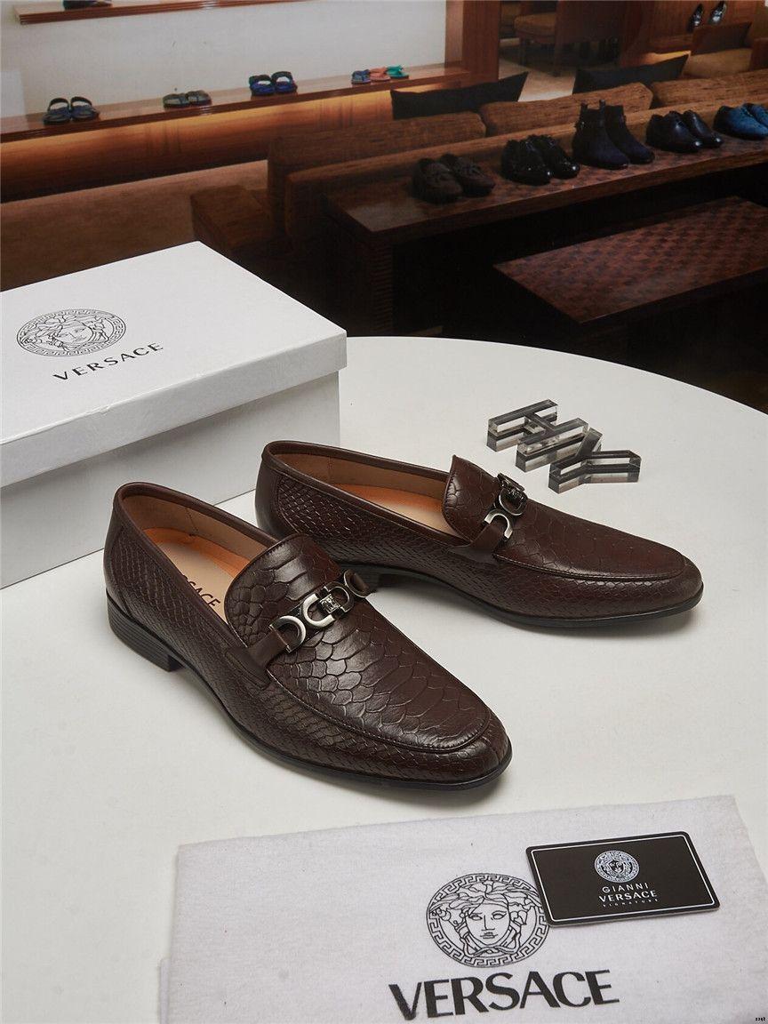 18ss Designers 2019 Moda scarpe da punta scarpe da sera Scarpe da sera per uomo casual Scarpe da uomo in vera pelle Scarpe morbide