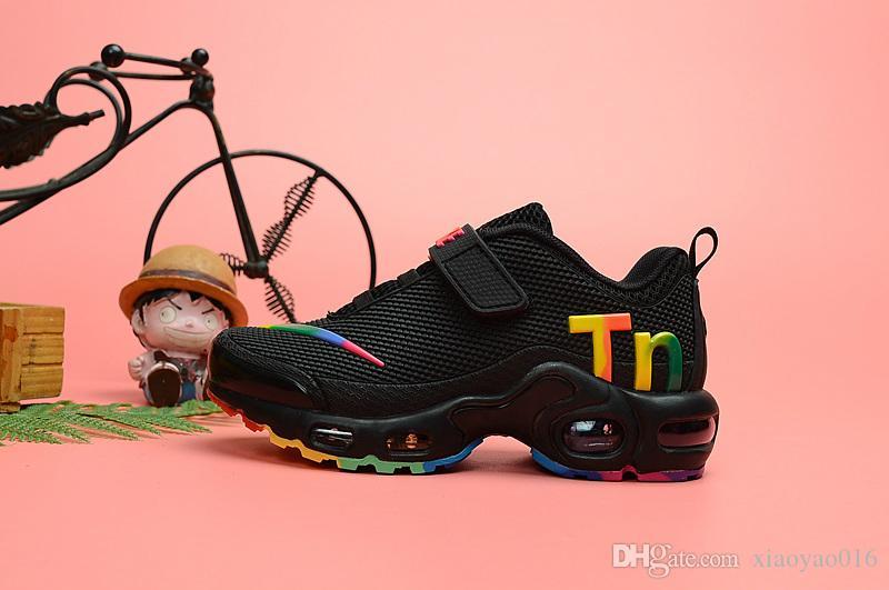 04 tasarımcı toddler Çocuklar TN Artı Tasarımcı Spor Koşu Ayakkabıları Çocuk Boy Kız Eğitmenler Tns Sneakers Klasik Chaussures enfants dö ...