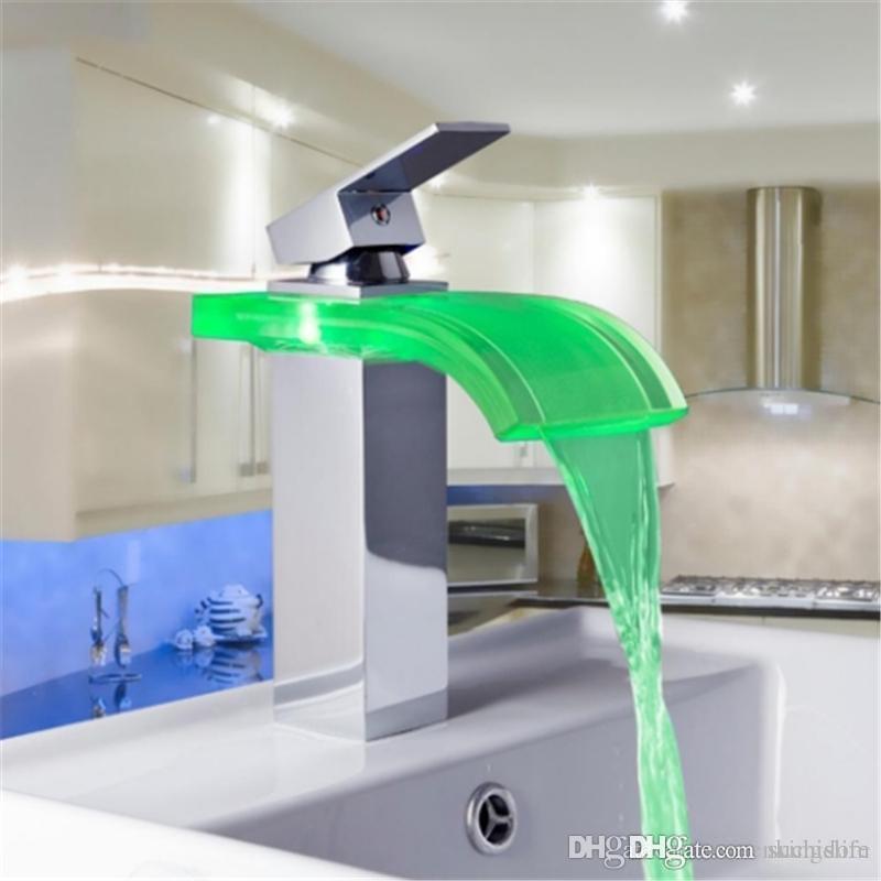 بالجملة، 8220-3 البناء عقارات LED تغيير الألوان كروم الشلال حوض الحمام بالوعة خلاط صنبور حوض الحنفية 20190409ayq