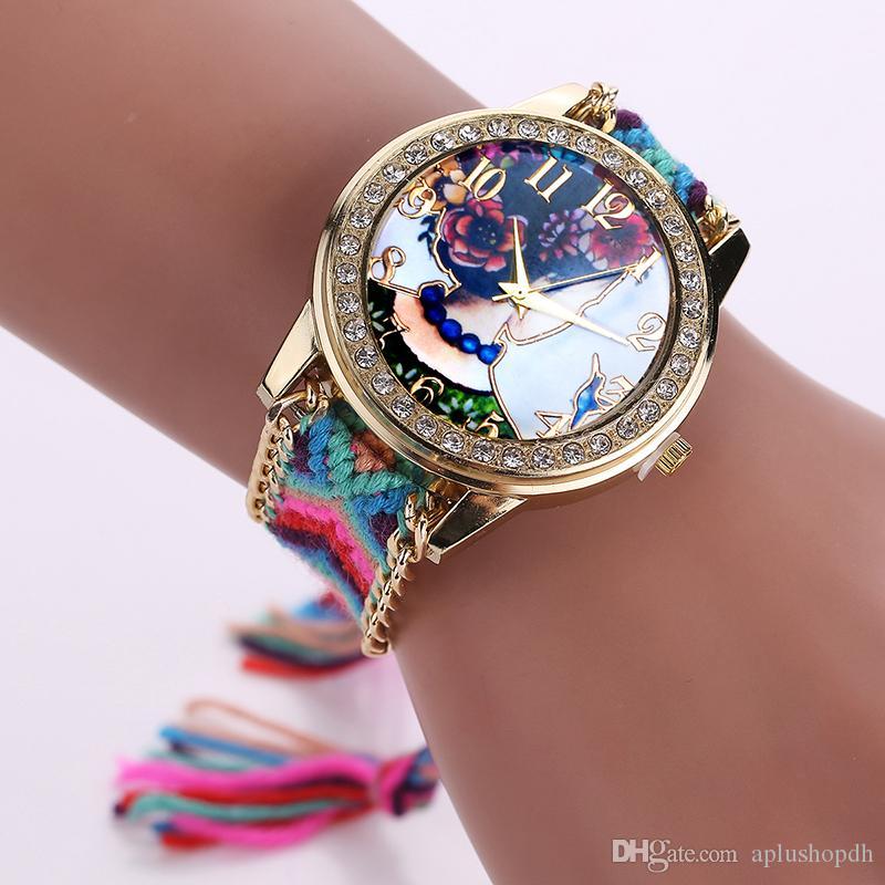 22 نماذج الساعات جنيف الحياكة اليدوية التفاف سوار ساعات نسائية اللباس الملونة الكوارتز عارضة اليد المنسوجة اليد والهدية المثالية.