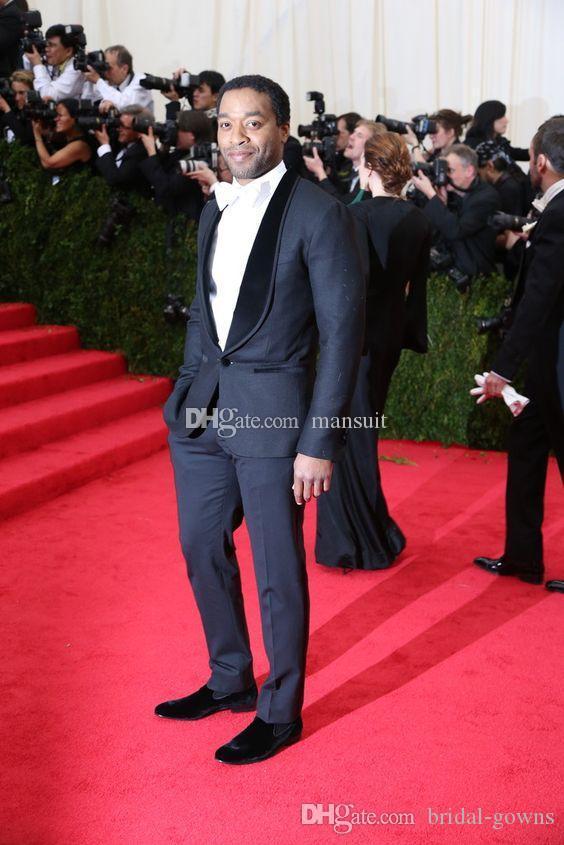 Custom Made Groomsmen Şal Yaka Damat smokin Lacivert Erkekler Suits Düğün / Balo Sağdıç Blazer / Damat (Ceket + Pantolon + Kravat) M506