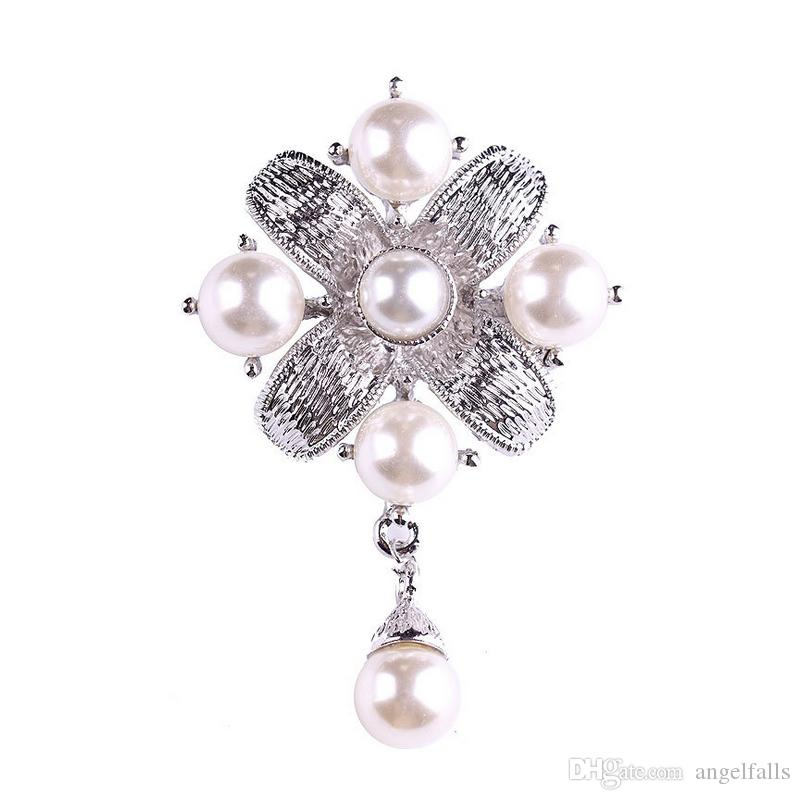 Vintage Cruz Broche de Pérolas para As Mulheres De Luxo Designer de Broche de Lapela Pin para o Presente Do Partido Famoso Acessórios de Jóias de Alta Qualidade