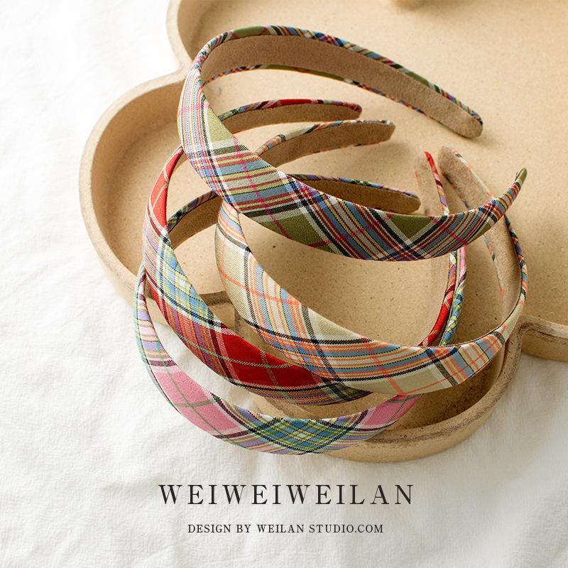 Beige Plaid Stirnband INS Scottish Süße Stirnband für Mädchen-Großhandelshaar Pressing Bangs Einfache Mädchen Headwraps Kostenloser Versand