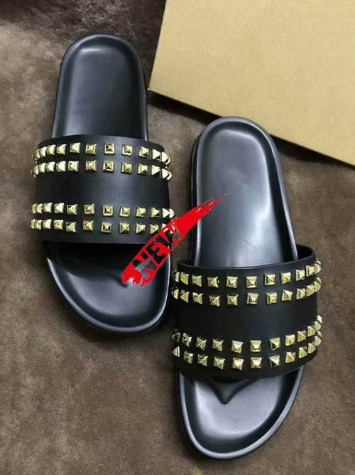 Donna Studded Red chinelos de fundo Designer Luxo Red Bottoms sapatos masculinos de chinelos Rivet Spikes planas