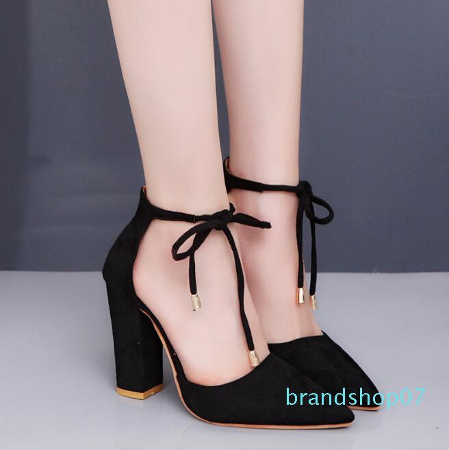 Hot Sale-Spitzaußenhandel große Wildleder hohe Absätze schnüren Schuhe der Frauen dick mit Temperament Baotou Sandalen Frauen