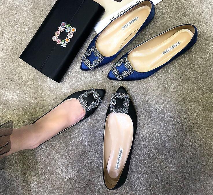 2019 envío libre Mujeres de la boda de moda rojo negro Rhinestone Cristal satinado de seda Poined Toes pisos HEELED tacones zapatos Stiletto mocasines zapatos