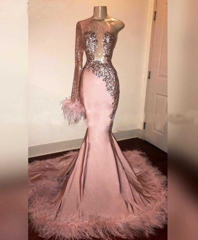 Großhandel Glitter Pailletten Langarm Meerjungfrau Rosa Schwarz Mädchen  Abendkleid Mit Federn Zug Eine Schulter Afrikanische Abendkleider  Graduation