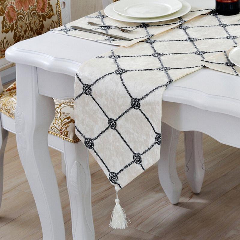 28 cm * 210 cm camino de mesa geométrico 3D corredores de mesa blancos modernos para decoración de bodas corredores de cama de moda para el hogar