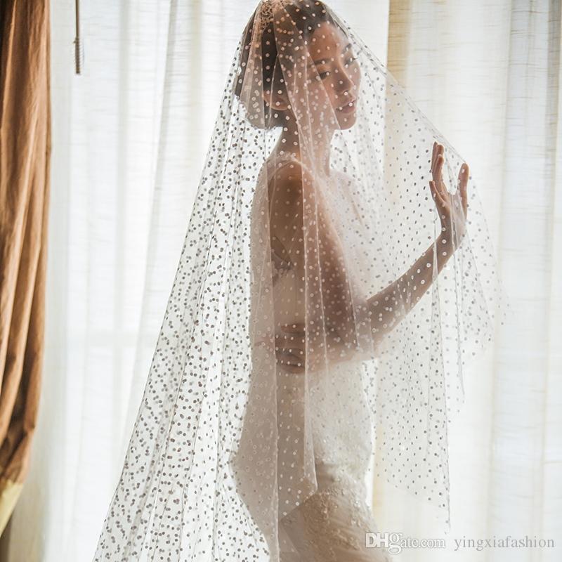 Em armazém surpreendente Pearl Real Imagem Designer Uma camada Waltz comprimento de corte Borda Wedding Veils Branco Marfim Champanhe Meidingqianna Alloy Comb