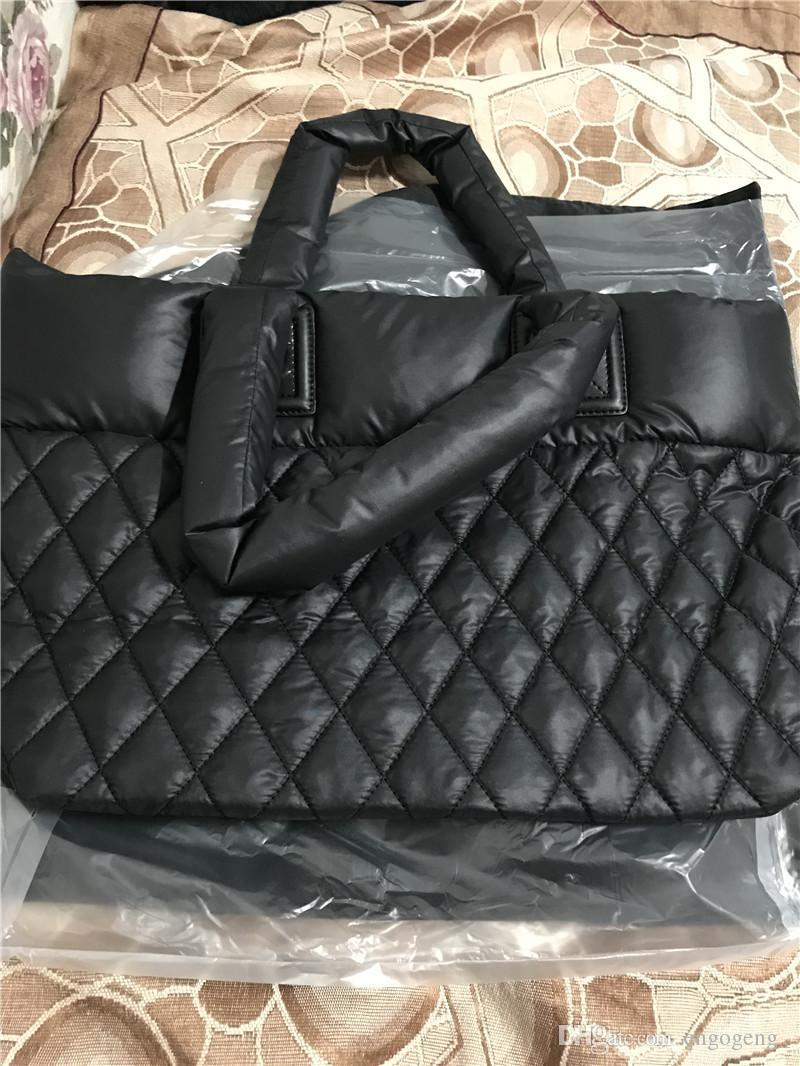 Elmas kafes aşağı kumaş (ortam her iki taraf için) omuz çantası için kullanılabilir