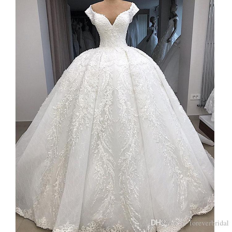 2020 arabo Dubai Plus Size Applique del merletto di sfera abiti da sposa della principessa V Neck sweep treno abito Abiti da sposa vestido de novia