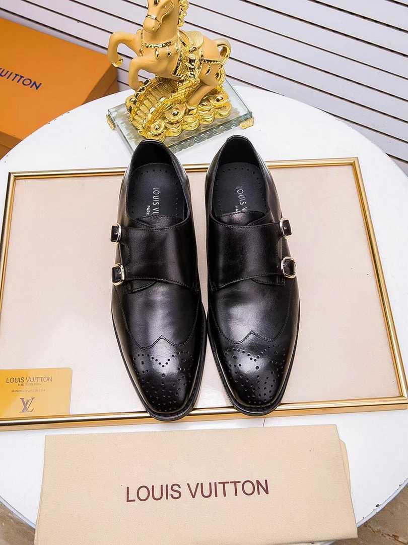2019 Mens vestido preto e homens brancos Brown Suede Casual Leather Loafers Deslizar Aguçado Oxford Shoes Com Box realmente
