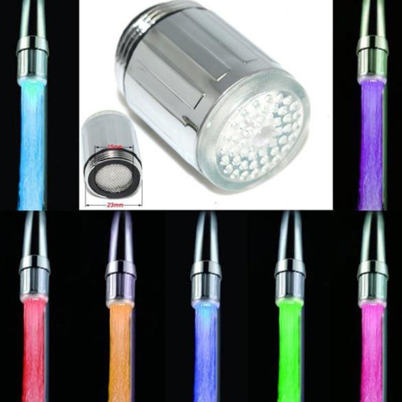 LED-Hahn-Hahn-Düse RGB-Farben-Blinken Temperatur Hahn Belüfter Wasserspar Küche Badezimmer-Zubehör