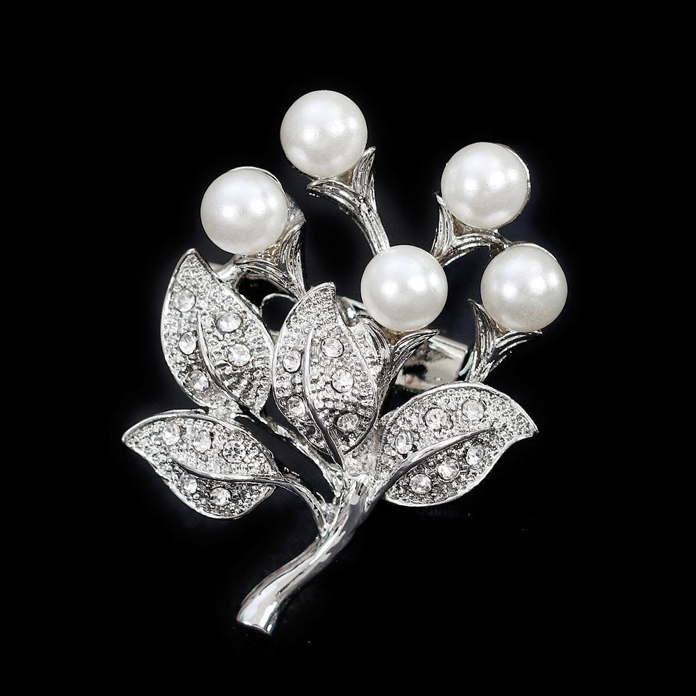 Rhinestone fashion exquisite brooch ladies flower brooch Pearl diamond collar clip wholesale