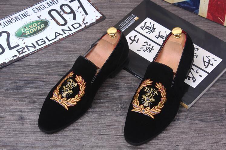 Heiße Verkaufart und weise Mann-Müßiggänger Beleg auf den Samt-Schuh-beiläufigen Samt-Pantoffel-Entwerfer-Kleid-Schuh-Wohnungen der Männer Hochzeits-und Parteischuhe