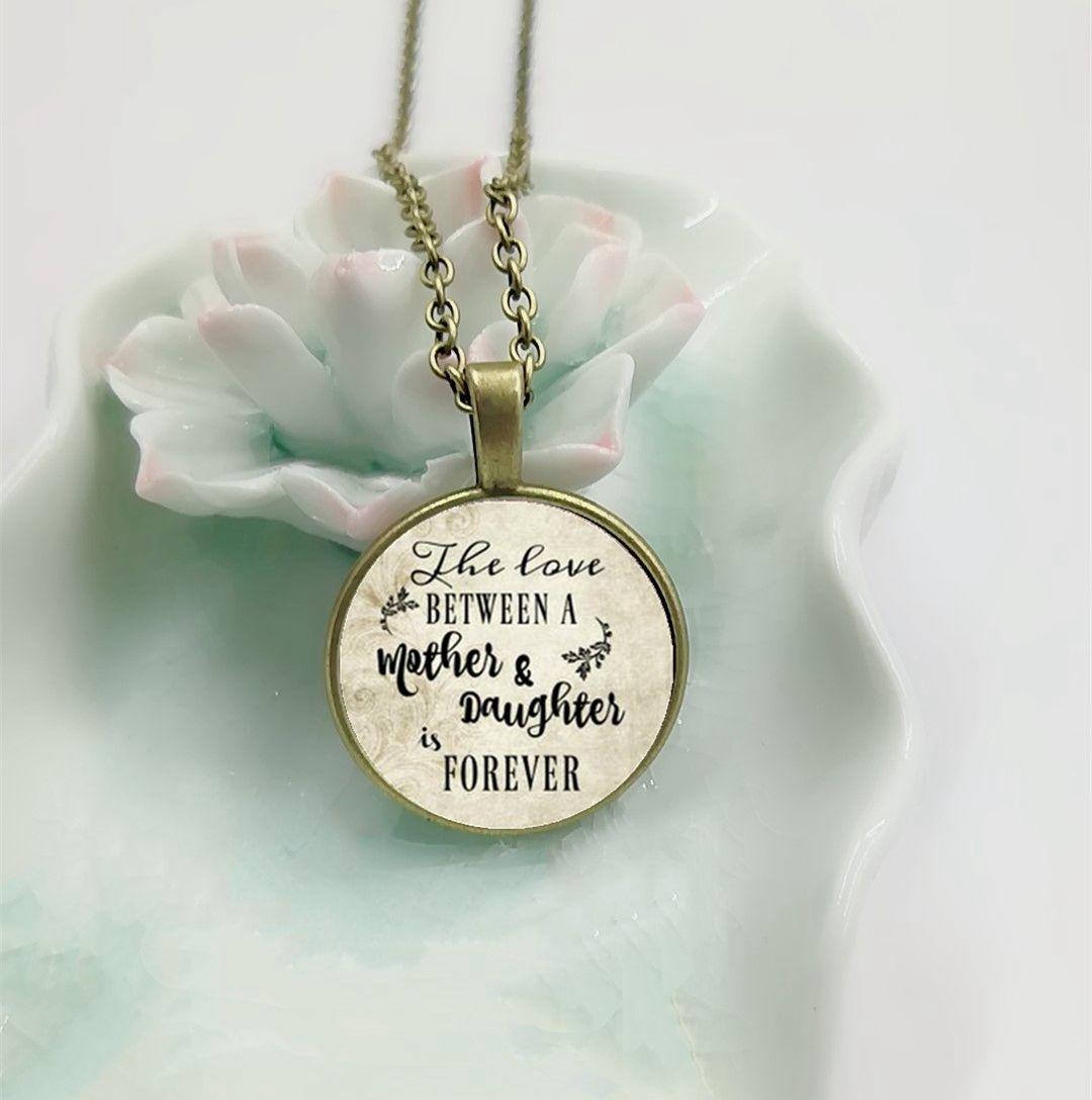 Denkwürdige Halskette, Hochzeitstag, Liebe zwischen Mutter und Tochter für immer, Geschenk für Mutter, Geschenk für Daughte Brief-Halskette