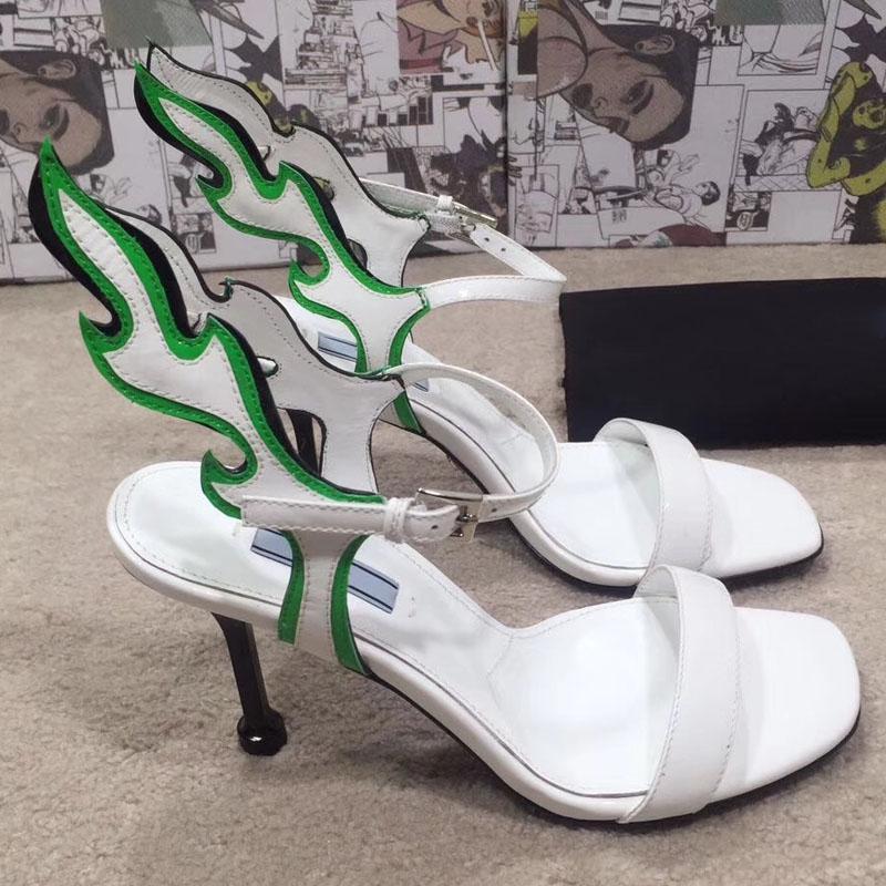 Mujer boda del partido de las mujeres con alas de mariposa tacones altos sandalias de tacón Botas Thin bombea los zapatos del gladiador las mujeres muestran zapatos