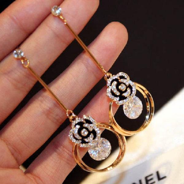 Fashion Luxury Designer Sparkling Diamond Zircon Camellia Flower Nappa Drop Chandelier Dangle Stud Orecchino per le donne ragazze