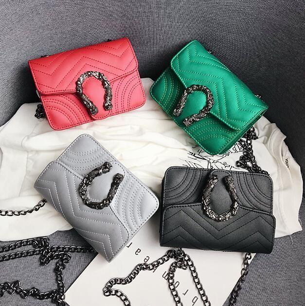 Factory wholesale brand women handbag summer new wave pattern leather bag classic embroidered line diamond chain bag retro buckle Messenger