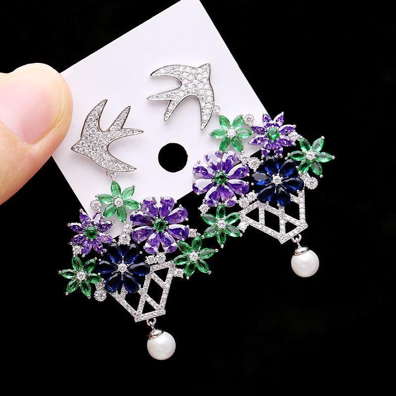 Mode-Boucles d'oreilles pour les femmes Brand Design cubique Bijoux zircon oreille Mode Fleurs Oiseau Goujons gros