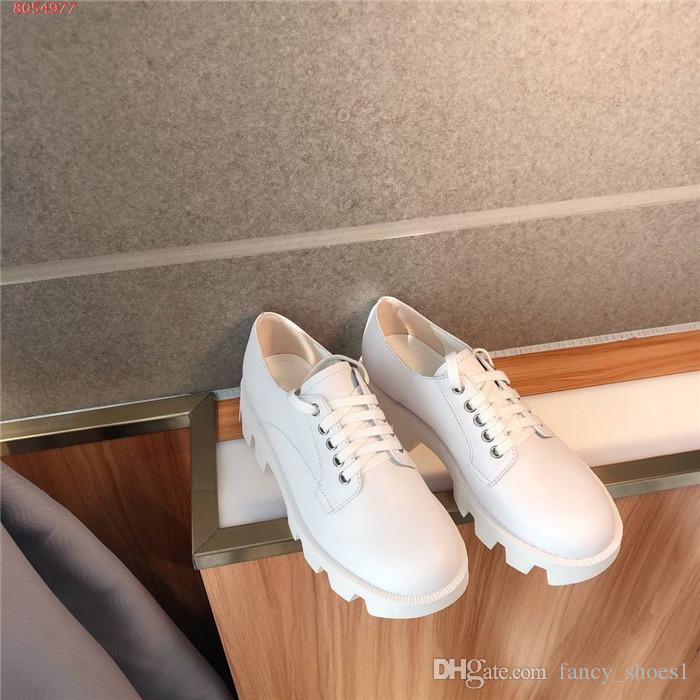 Damen neueste beiläufige schwarze und weißen Lederschuhe, mit niedrigen Absätzen und dick soled Spitzen-up Faulenzer, Schuhe mit hohen Absätzen