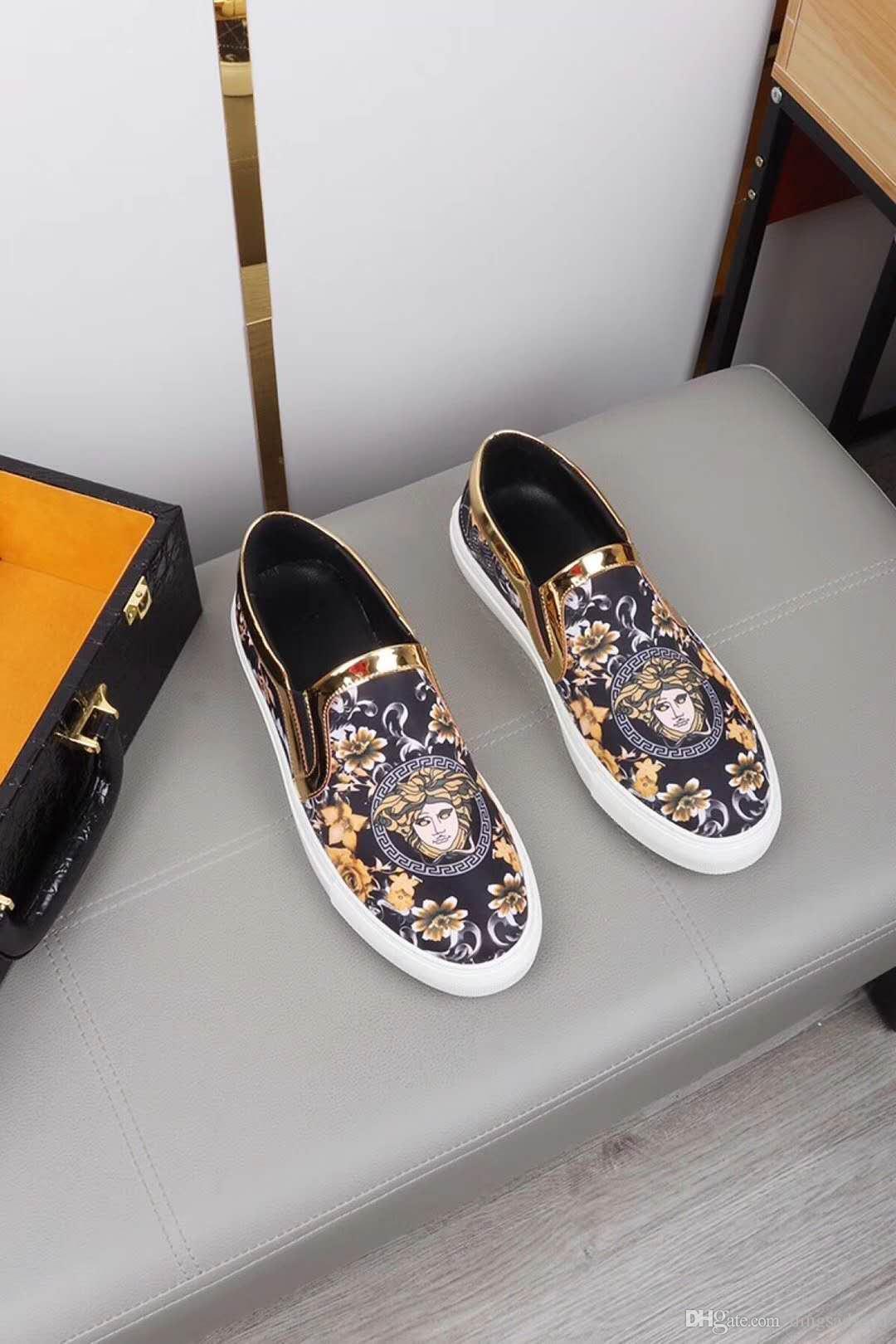 Bir pedal tembel gençlik nakış erkek ayakkabıları vahşi gelgit 38-44 HY31 2020 avrupa istasyon gelgit erkekler rahat ayakkabılar Kore versiyonu