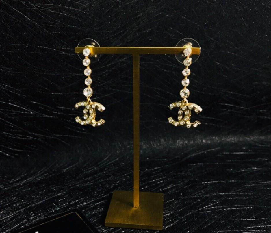 kutu Sıcak satmak moda güzel Klasik takı ücretsiz kargo 062.435 Sıcak satış kadınların elmas Küpe 2020 Yeni yüksek kalite