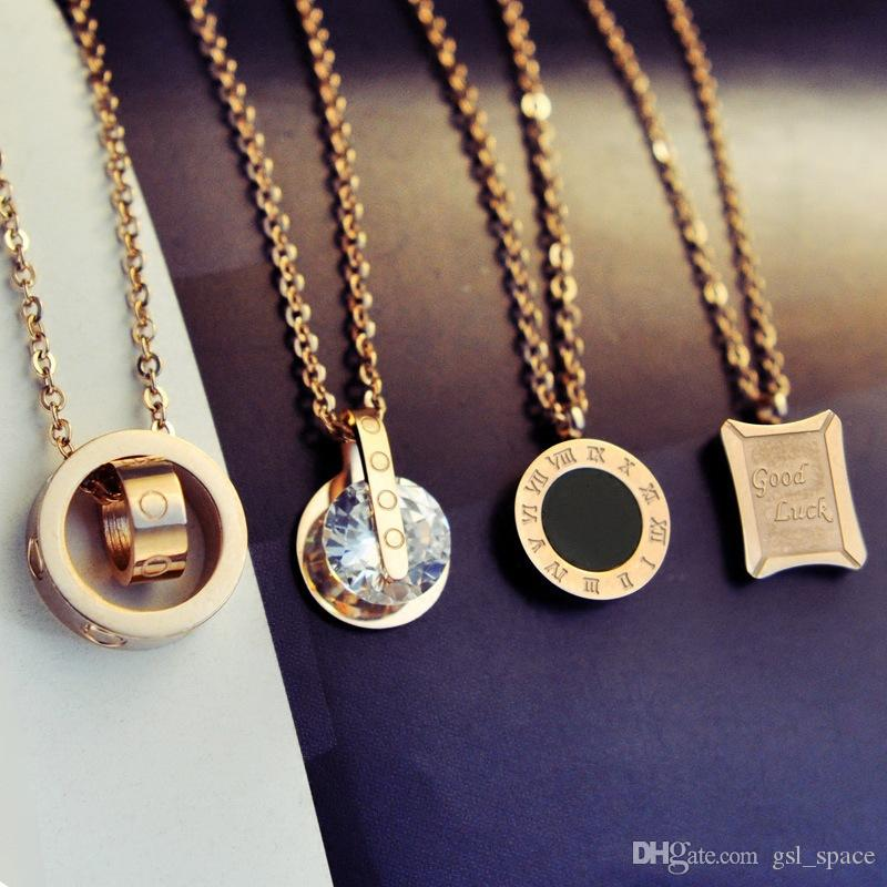 Circle Crystal Roman Numeral Necklace Pendants Double Buckle Woman Necklace Female Titanium Steel Clavicle Necklace 18K Gold Pendant Jewelry