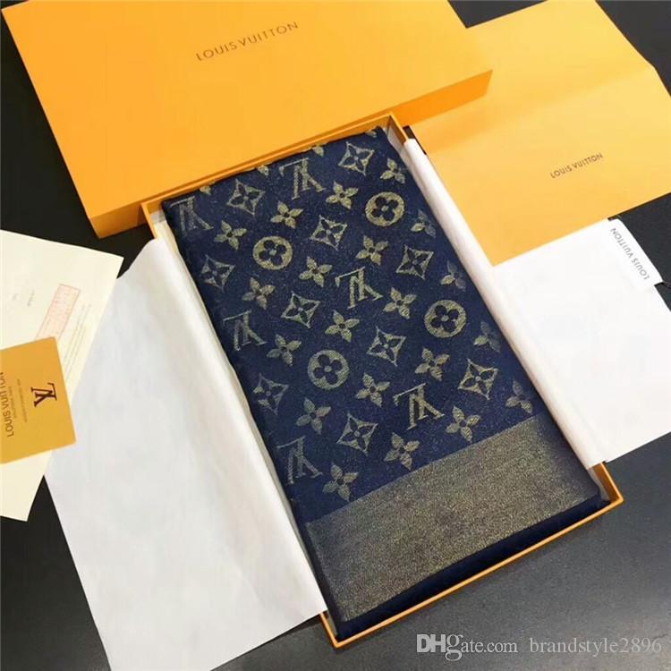 Fabrika satış eşarp markası moda parlak altın iplik pamuk ipliği boyalı şal bayanlar üçgen Wrap fular 140 * 140 cm