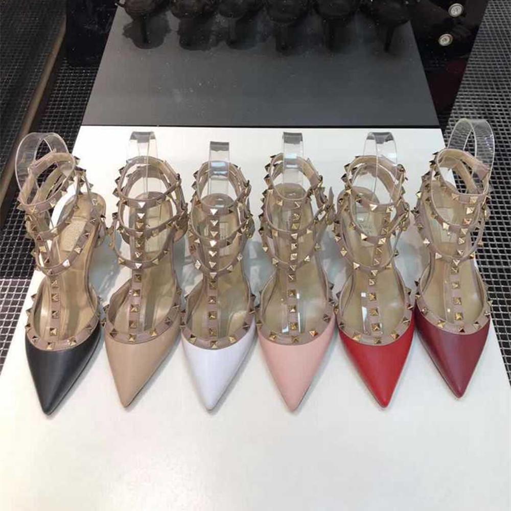 2020 أحذية حار جديد مثير عال كعب حذاء براءات الاختراع أزياء المرأة مصمم أسفل الكعب العالي المسامير صنادل جلدية واشار تو 2-الشريط مع الأزرار