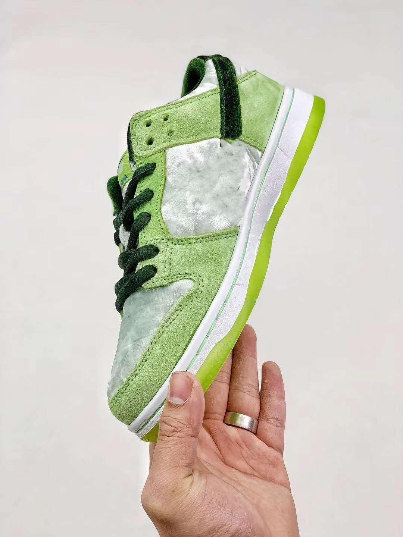 36-45 2020 Nuovo Stranamore x SB Dunk Low PRO scarpe verdi Running Shoes Donne progettista del mens di sport formatori sneakers CT2552-700 CT10