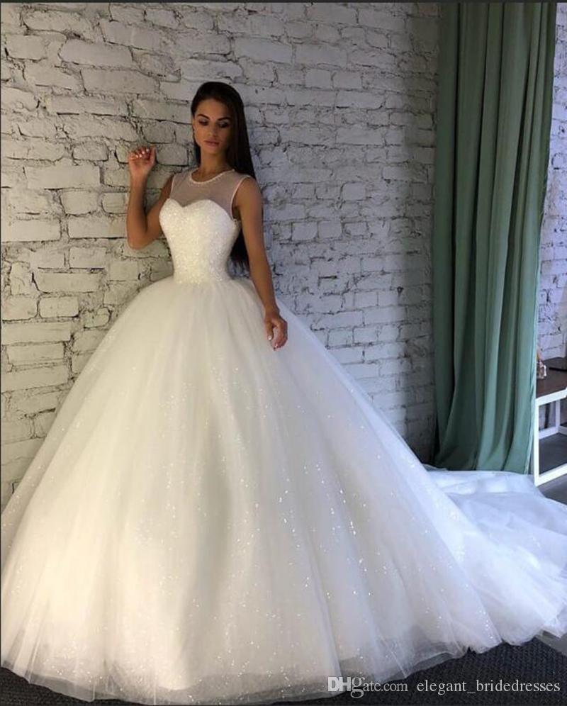 Beyaz Gelinlik 2019 Kabarık Balo elbise de mariee Ağır Boncuklu En Şeffaf Dantel Tekne Boyun vestido de Noiva Gelinlik