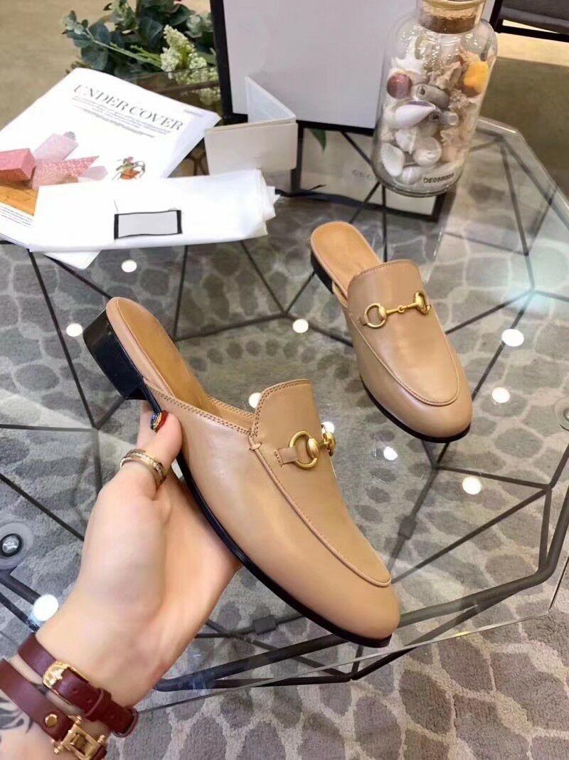 nuovi colori dal design di lusso Princetown muli mocassini Khaki tutte vendita pantofole di pelle caldi marroni per gli uomini delle donne mocassini casuali MULE grandi dimensioni