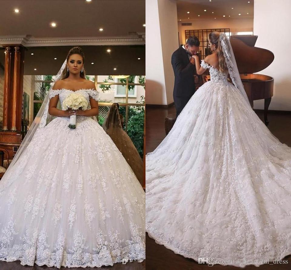 Dubai árabe vestido de baile vestidos de casamento fora do ombro completa Lace Applique Beads Backless Puffy Tribunal Trem Plus Size vestidos de noiva formais