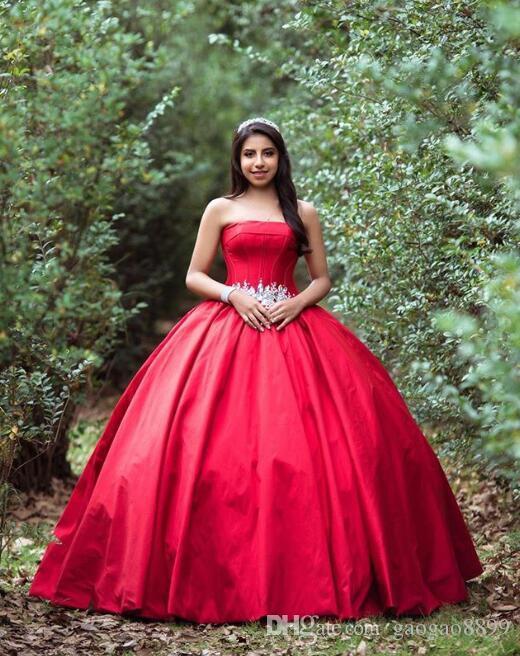 2020 robe de bal rouge quinceanera robes de dentelle sans bretelles Appliques de dentelle Sash princesse doux 16 robe de la robe de promenade