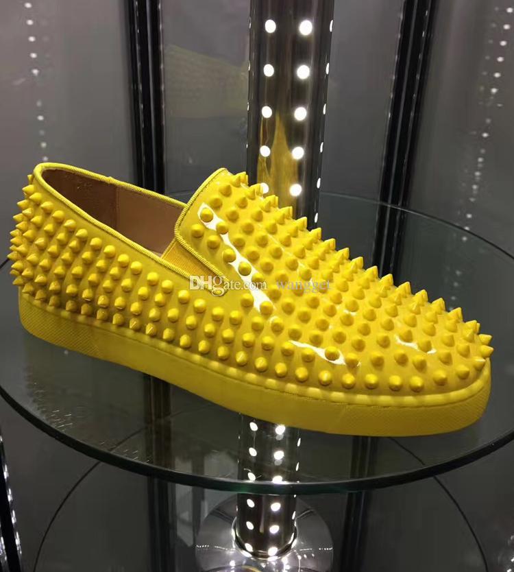 Designers de luxo mocassins fundo vermelho rebites casuais sapatos sapatilhas mulheres pik flats low amarelo tinta de couro homem treinadores famosos casamento casamento