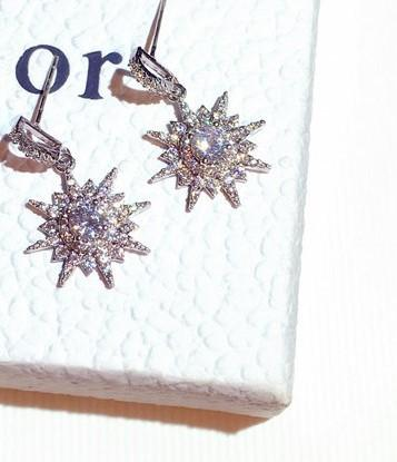All'ingrosso di lusso stilista super-scintillante orecchini belli svegli zircone diamante strass sole fiore squisiti per le donne le ragazze