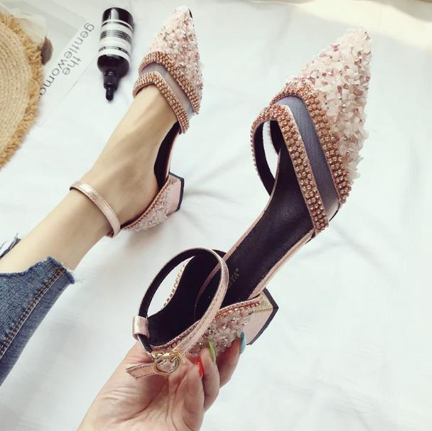 2020 весна и лето новая сетка горный хрусталь остроконечные одиночные туфли женщины полые дикое слово пряжка фея сандалии на низком каблуке
