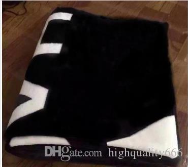 Новенький !2019 бренд черный бросок фланель флисовое одеяло 2size-130x150cm/150x200cm нет пыли мешок C стиль логотип для путешествий, дома, офиса ворс одеяло