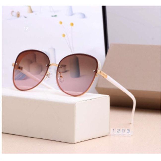 Moderne Dame berühmten Marken-Sonnenbrille Strand Sonnenbrille der Dame Augenlid Spiegelgläser UV400 1203 5 Farbqualität passende box12