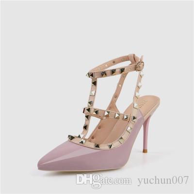 En kaliteli 2019 lüks Tasarımcı tarzı Patent Deri Thrill Topuklar Kadınlar Benzersiz Mektupları Sandalet Elbise Düğün Ayakkabı Seksi ayakkabı 34-42